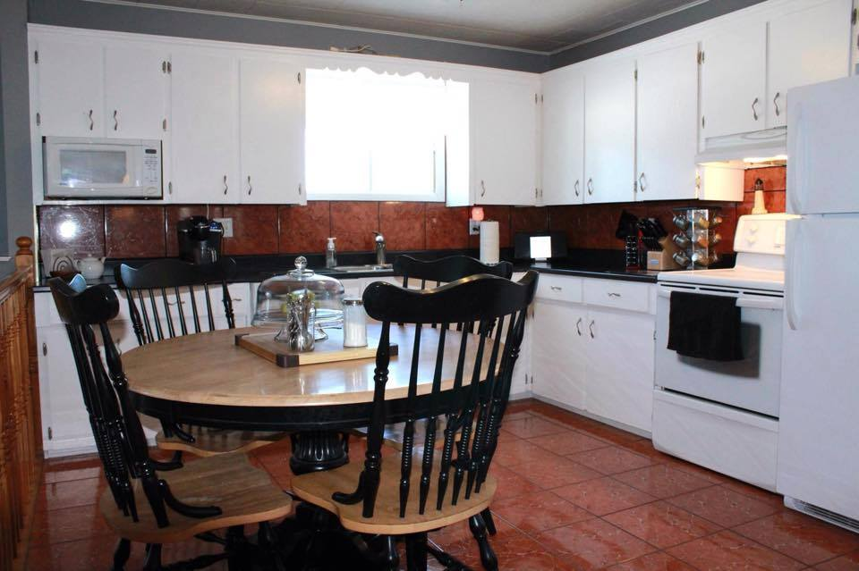 Kelli's kitchen before