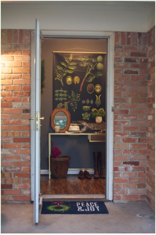Eclectic Entryway foyer | 100+ Beautiful Mudrooms and Entryways at Remodelaholic.com