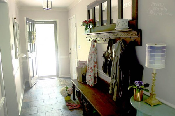 fun entryway | 100+ Beautiful Mudrooms and Entryways at Remodelaholic.com