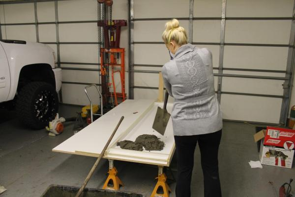 tutorial to make your own DIY concrete countertops Construction2Style on @Remodelaholic (22)