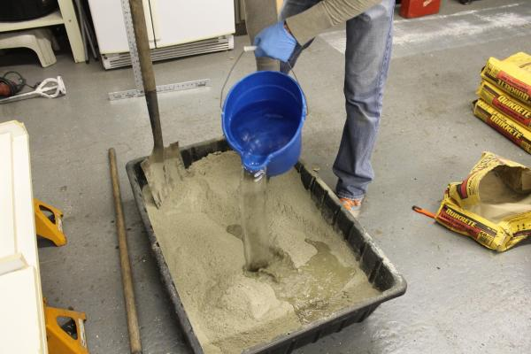 how to mix concrete for DIY concrete countertops