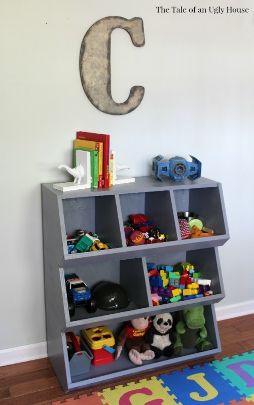 Kids room organization DIY tutorial for toy cubby by Tale of an Ugly House featured on @Remodelaholic