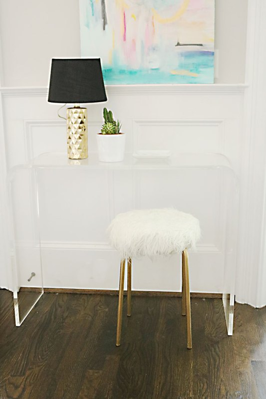 DIY-ikea-hack-white-fur-stool Darleen Meier