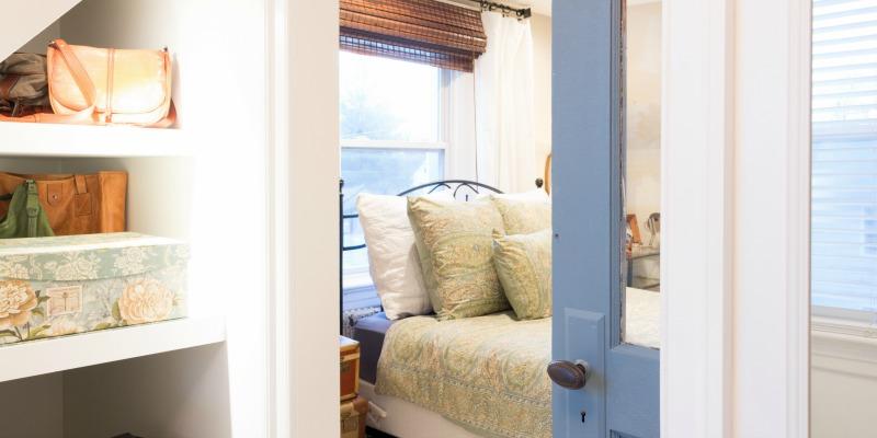 Travel Inspired Guest Room: A Vintage, Travel-Inspired Master Bedroom