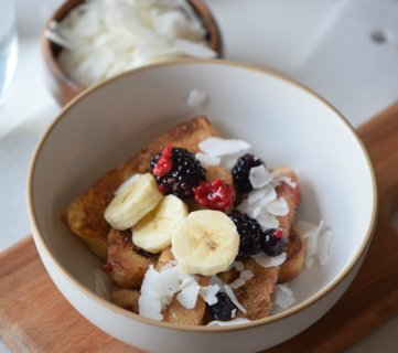 French Toast Bowl with Cinnamon Sugar
