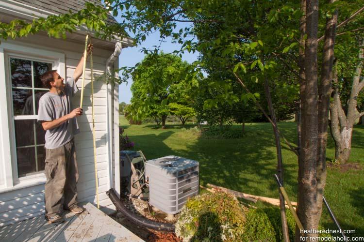 DIY vertical garden for remodelaholic.com by heatherednest.com (2 of 19)