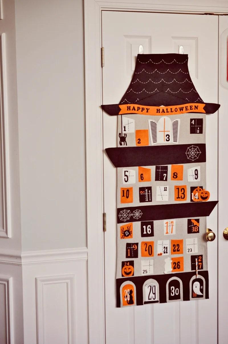 Super cute Halloween advent calendar | Simple Halloween Decor Ideas and Tutorials at Remodelaholic.com