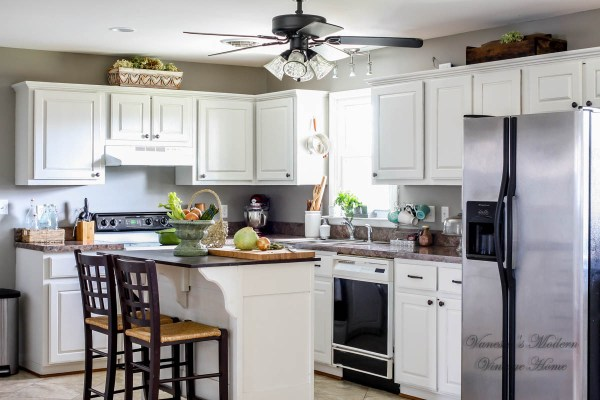 White kitchen remodel in one weekend by Vanessa's Modern Vintage Home featured on @Remodelaholic