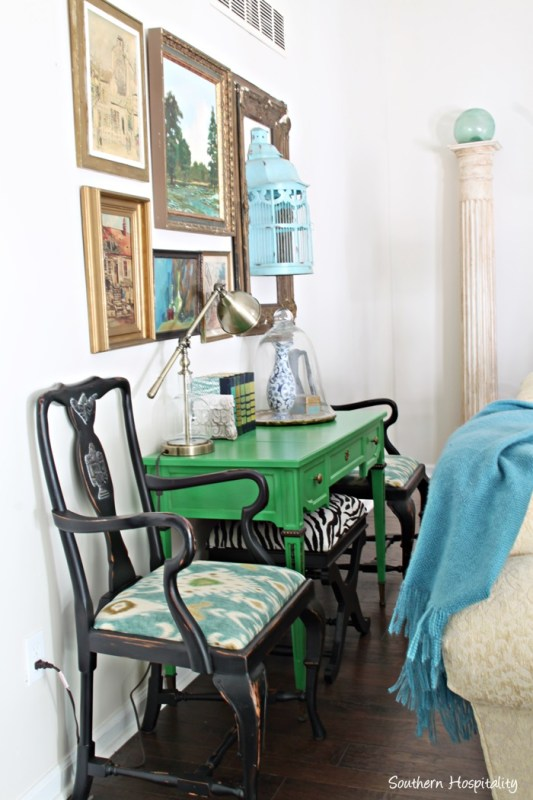 Tutorial for adding color and WOW to any room with chalk paint, Maison Blanche, by Southern Hospitality featured on @Remodelaholic
