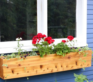 How to Build a Custom Cedar Cottage Window Box
