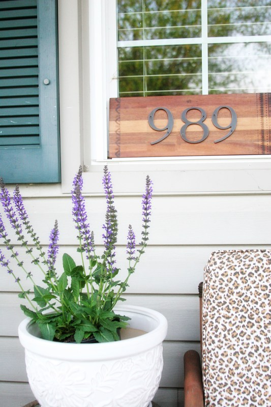easy wood house number sign by Craftivity Designs