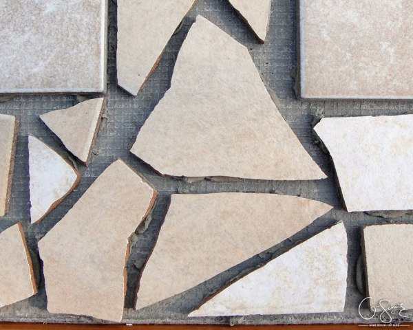 Why you should never throw away broken tile, a tutorial for a table top by Q-Schmitz featured on @Remodelaholic