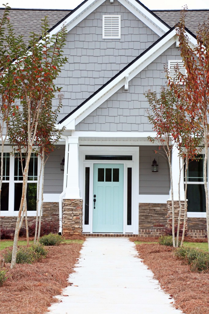 Remodelaholic exterior paint colors that add curb appeal - Door colors for gray house ...