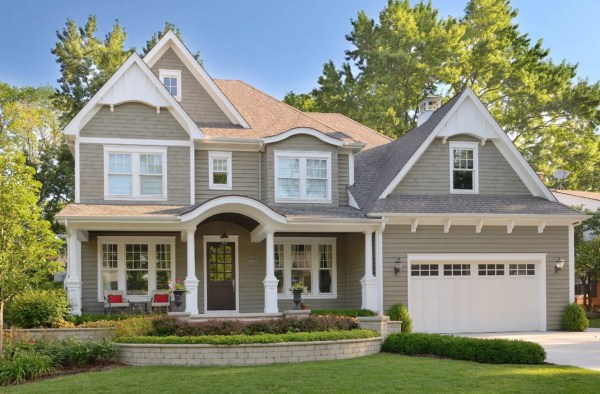Exterior Paint Colors that Increase Curb Appeal | Copley Gray Benjamin Moore | More info on Remodelaholic.com