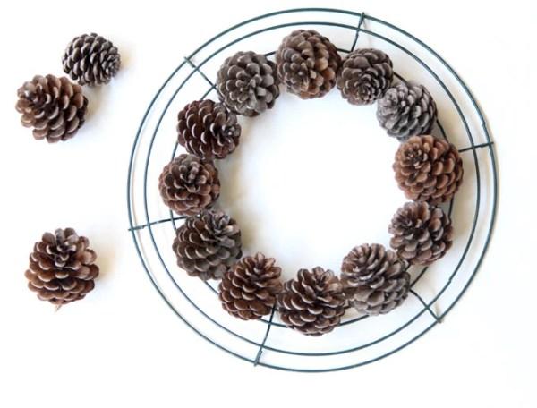 DIY-pinecone-wreath-apieceofrainbowblog (5)