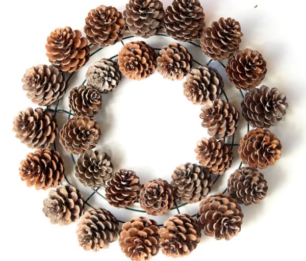 DIY-pinecone-wreath-apieceofrainbowblog (7)