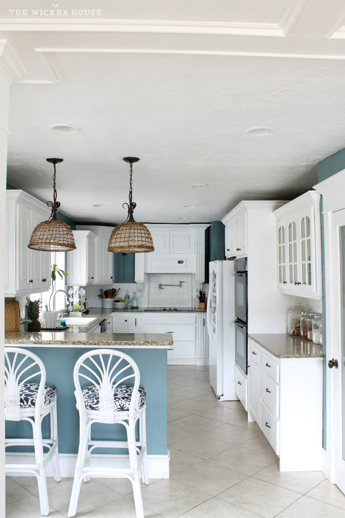 Wall color is Aegean Teal from Benjamin Moore. Color Spotlight on Remodelaholic.