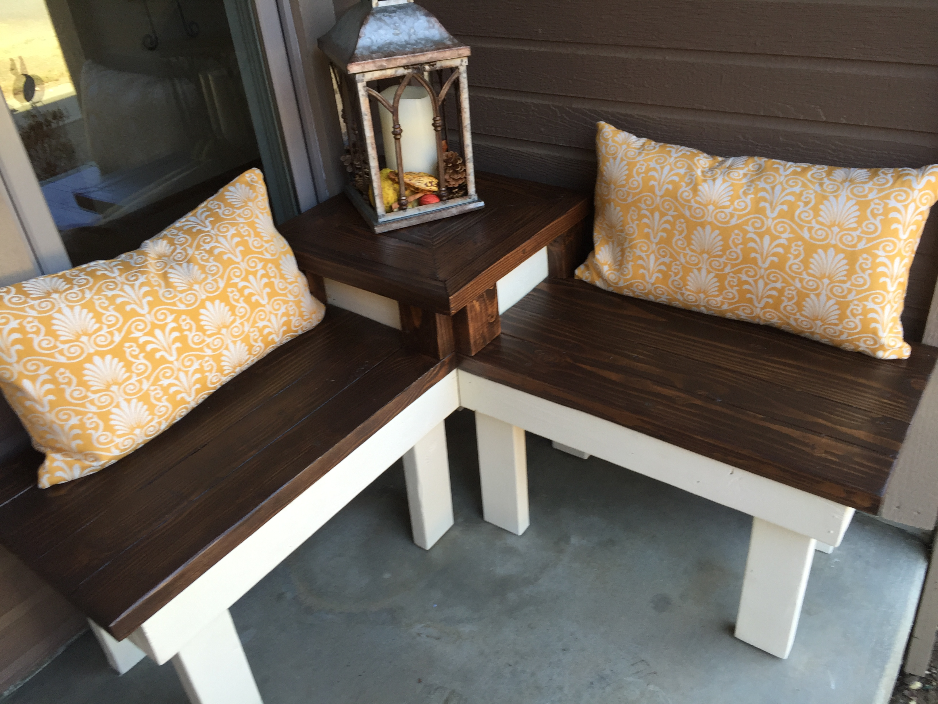 Marvelous Build A Corner Bench With Built In End Table For A Porch Or Patio,