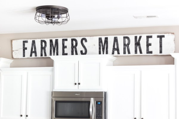 9 DIY Painted And Distressed Farmhouse Sign, Easy, By Blesser House Featured On @Remodelaholic