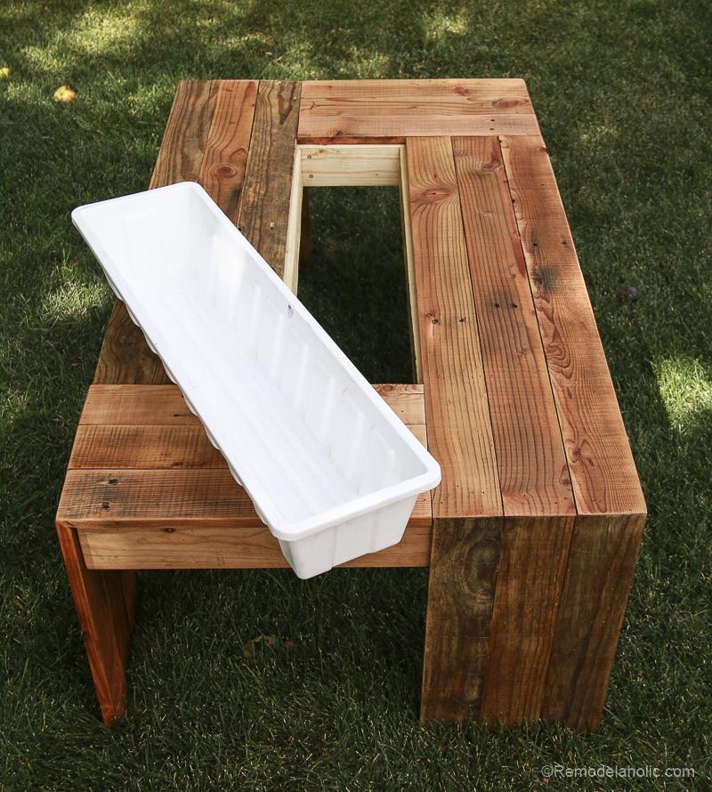 rustic-pallet-wood-coffee-table-remodelaholic-9166-2