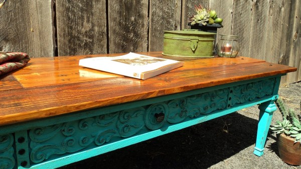 southwestern-style-pallet-coffee-table-redo-it-yourself-inspiration