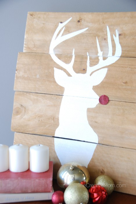 deer-pallet-thecreativemom