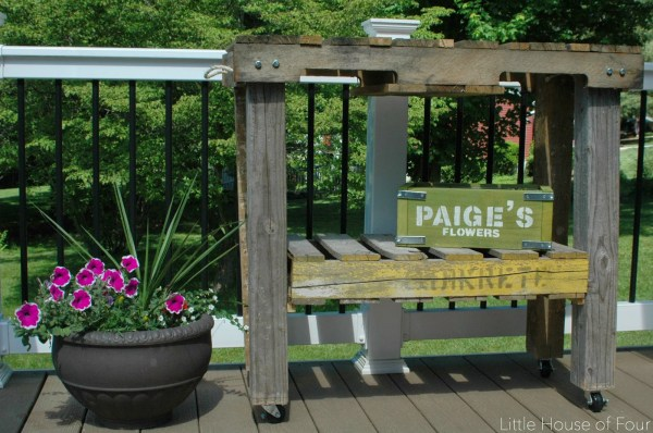 finished-pallet-work-bench-little-house-of-four