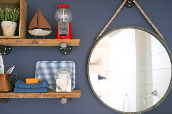diy-industrial-reclaimed-wood-shelves-with-pipe-brackets-14