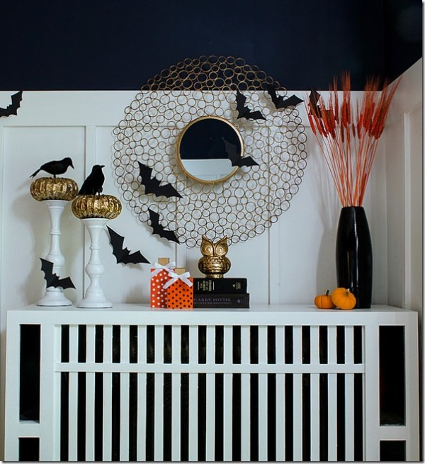 Faux Halloween Mantel with Bats | DIY Halloween Decoration Ideas