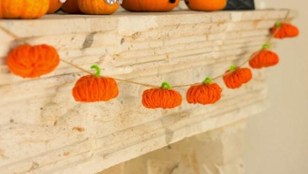 Yarn Halloween Pumpkin Garland Design Improvised