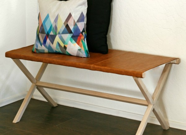 Feat Wood And Leather Directors Bench DIY Tutorial And Building Plan @Remodelaholic