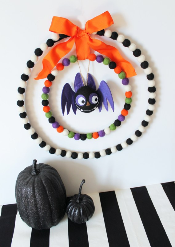 felted ball Halloween wreath