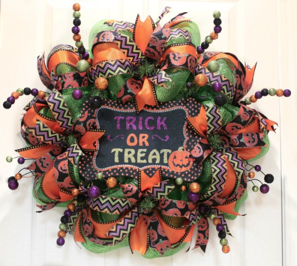 How To Make Mesh Halloween Wreath
