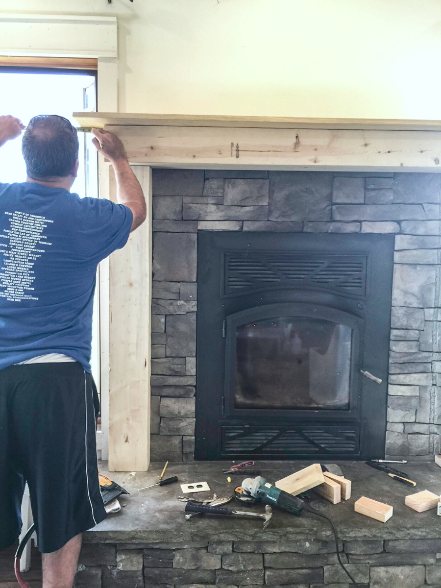 mantel-makeover-with-farmhouse-charm-27