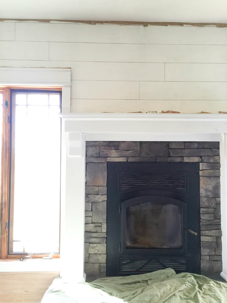 mantel-makeover-with-farmhouse-charm-7