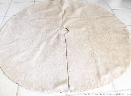 tableandhearth-driftwood-tree-skirt-9