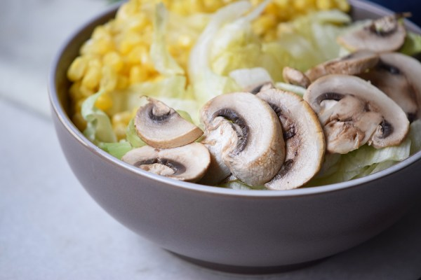 A quick, filling, and yummy lunch idea. Easiest Grilled Mushroom Salad via Remodelaholic.com