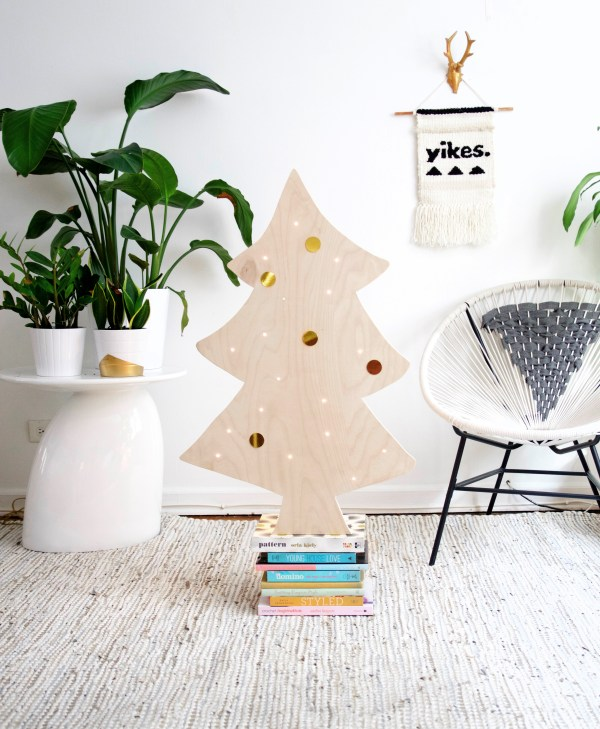DIY Plywood Christmas Tree With Lights, Best Friends Pizza Club Featured On @Remodelaholic