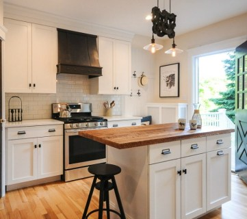 Bungalow Kitchen Renovation Feat @Remodelaholic