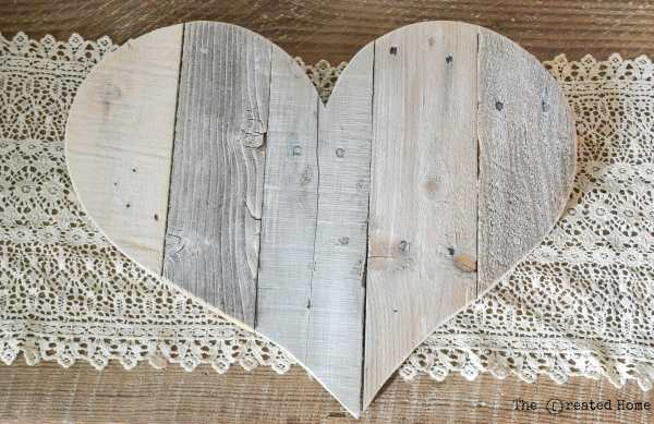 Diy Rustic Pallet Hearts Tutorial, The Created Home On @Remodelaholic (5)