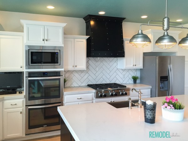 White Kitchen | Get the Look | Adding color to a white kitchen | Colorful White Kitchen | Remodelaholic.com
