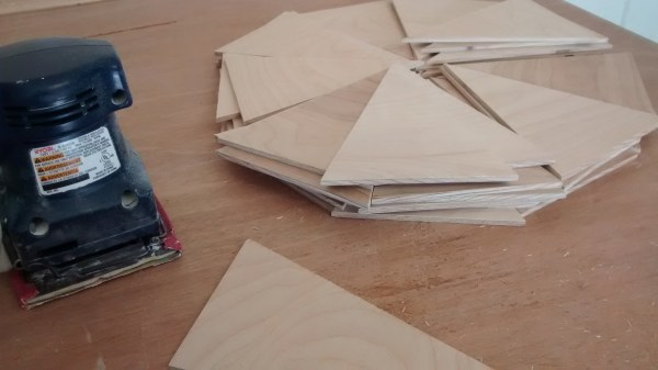 Remodelaholic Plywood Pennant Project (4)