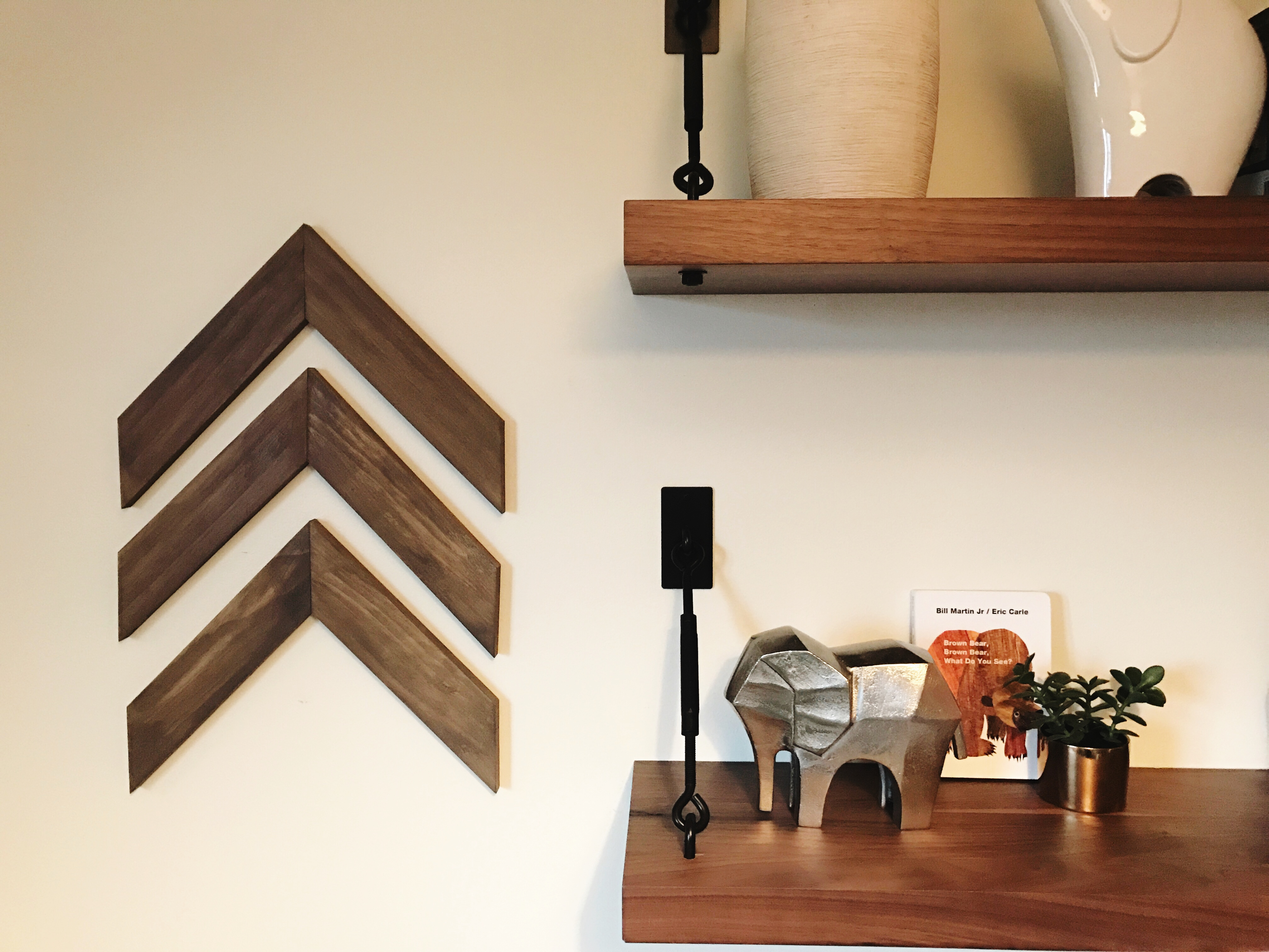 Remodelaholic Easy Diy Wooden Arrow Wall Decor Tutorial