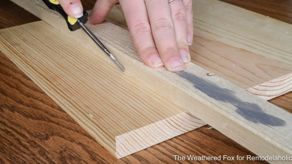 How To Make A Planked Looking Board From New Wood. How To Create Farmhouse Style Wall Baskets With Dollar Store Items. Get This Tutorial From The Weathered Fox On Remodelaholic!