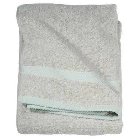 Bold Bathroom Design 07 Bath Towel