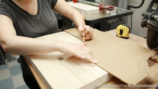 How to make a wooden bench with arched legs from 2 boards - trace leg template