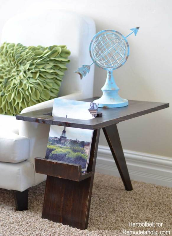 Side Table 4I love unexpected design features! Free plans to build a Mid-Century Modern side table with convenient magazine or book holder. Build this side table with only 1 board!