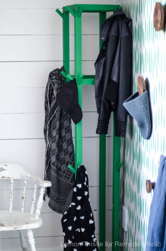 2x2 Projects, Cube Coat Rack @Remodelaholic