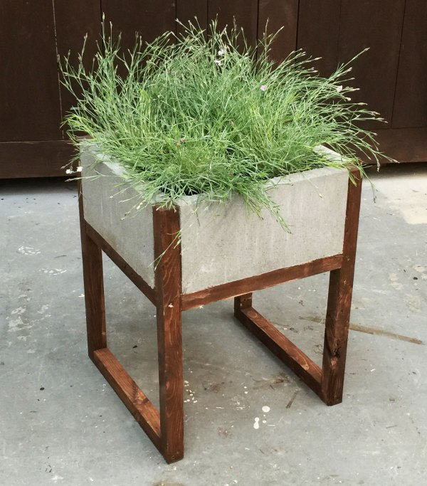 2x2 Projects, Modern Paver Planter, Ana White