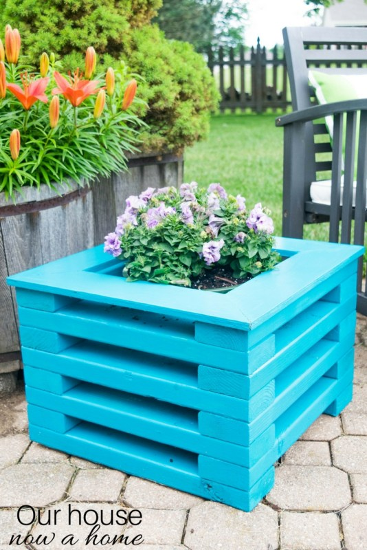 DIY Flower Planter Using Low Cost 2x4 Wood Boards. Simple To Make With Amazing Results Perfect For Any Outdoor Space. 1
